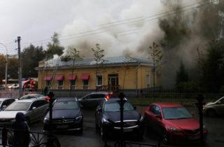 В Центральном парке кафе площадью около 60 «квадратов» сгорело до тла