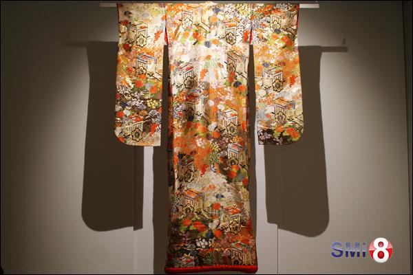 Фото праздничного кимоно, представленного для выставки культурным центром «Сибирь-Хоккайдо»
