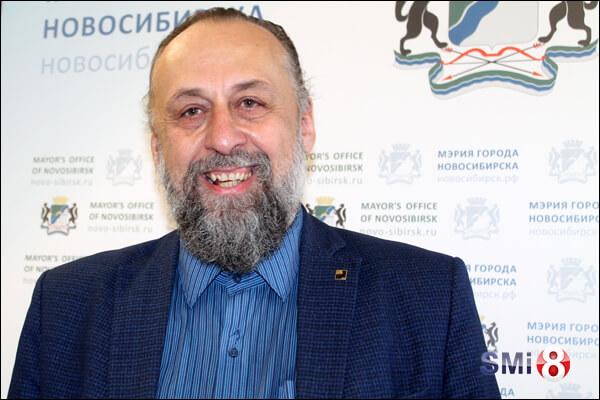 Фото советника мэра, председателя городского Художественного совета Александра Ложкина