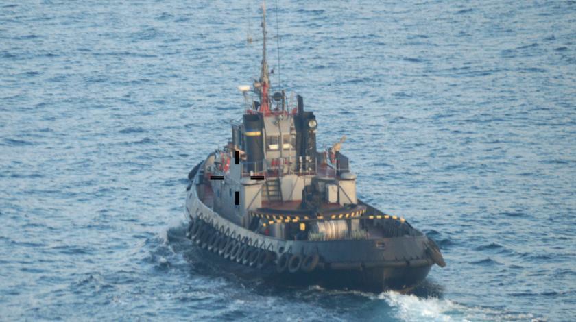 Фото. В результате обстрела российскими пограничниками украинских судов ранено трое моряков