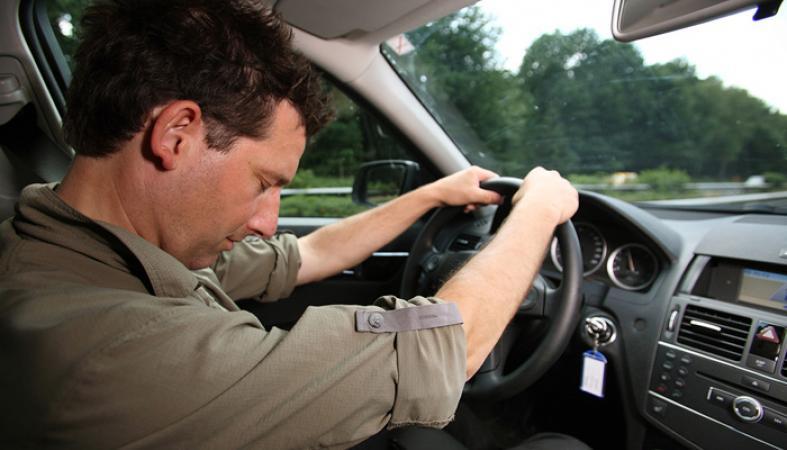 Фото. После приёма седативных препаратов водитель может уснуть за рулём