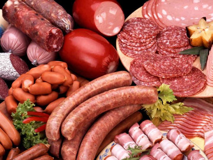 Фото. Колбаса повышает риск злокачественных опухолей