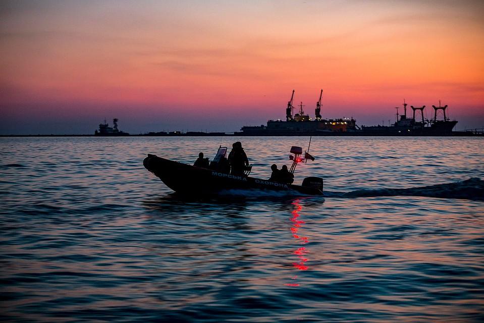 Фото. Задержанные плавсредства ждут своей участи в портах Мариуполя и Бердянска