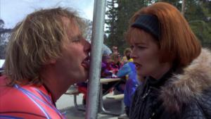 Фото. На морозе лучше контролировать свой язык во избежание серьёзных травм