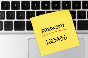 Фото. Хакеры знают все распространённые пароли россиян наизусть