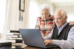 Фото. Чаще всего пенсионеры обращаются за потребительскими займами до 100 тысяч рублей