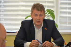 Фото. Алексей Куринный встал на сторону должников по ЖКХ