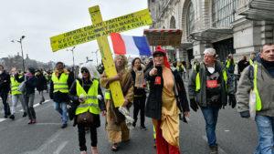 """Фото. Протесты """"жёлтых жилетов"""" продолжаются с ноября прошлого года"""