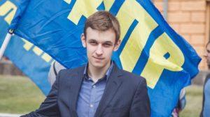 Фото. Василий Власов из ЛДПР намерен взять на подмогу робота