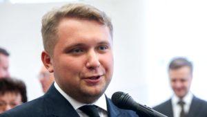 Фото. Депутат от ЛДПР Борис Чернышов считает, что в новогодние праздники можно и поработать