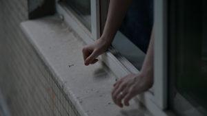 Фото. Что толкнуло девочку на роковой шаг, предстоит выяснить следствию