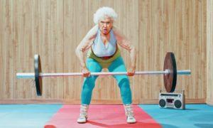 Фото. Женщины живут намного дольше мужчин