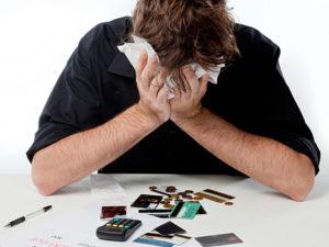 Фото. Аналитики не называют банки, которые попали в зону риска по блокировке карт