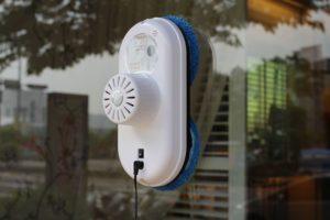 Фото. Роботы для мытья окон в вашем распоряжении