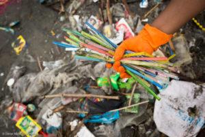 Фото. Увы, большинство россиян не утруждают себя сортировкой мусора