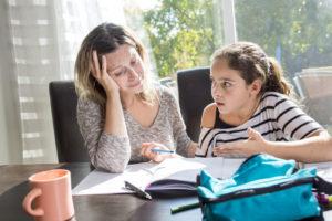 Фото. Родители, разочаровавшись в школьном образовании, учат детей дома