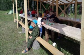Фото. В Томске украли лагерь для сирот