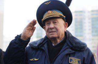 Фото. Герой Советского союза Алексей Архипович Леонов