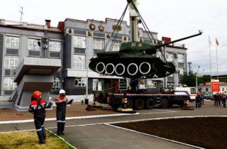 Фото. Танк Т-34 в Новокузнецке